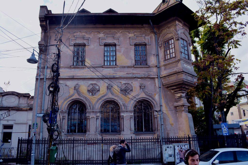 Plątanina kabli, Bukareszt