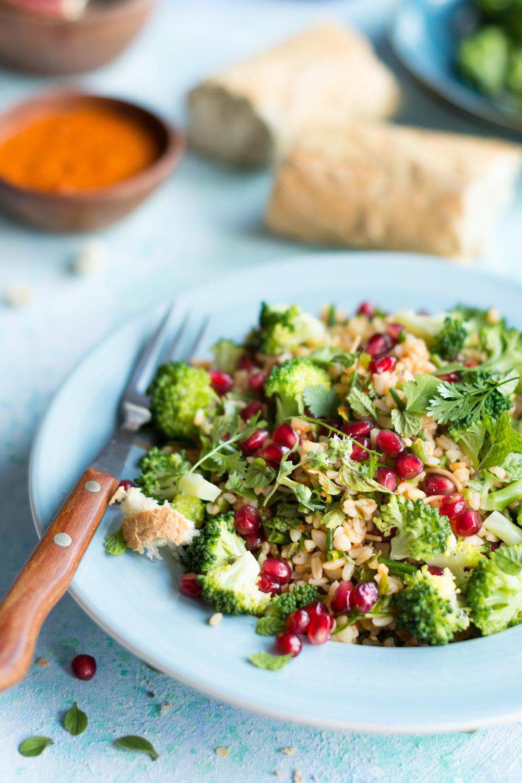 Sałatka z kaszą z bulgur i brokułami_-4