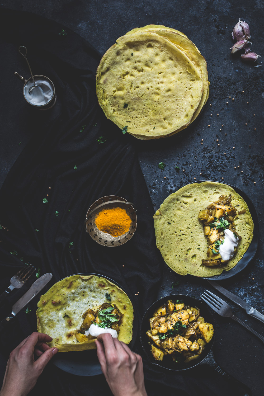 indyjskie naleśniki z ziemniakami