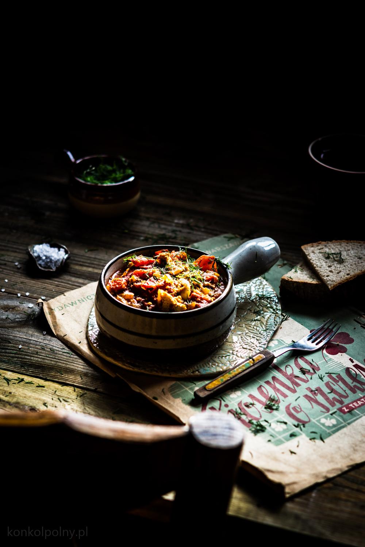 tofu z pomidorami